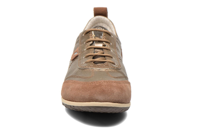 Baskets Geox D VEGA A D3209A Or et bronze vue portées chaussures