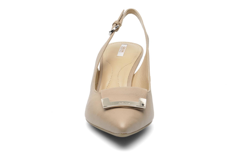 Escarpins Geox D ELINA D D52P8D Beige vue portées chaussures