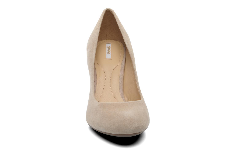 Zapatos de tacón Geox D NEW MARIELE H. A D5298A Beige vista del modelo