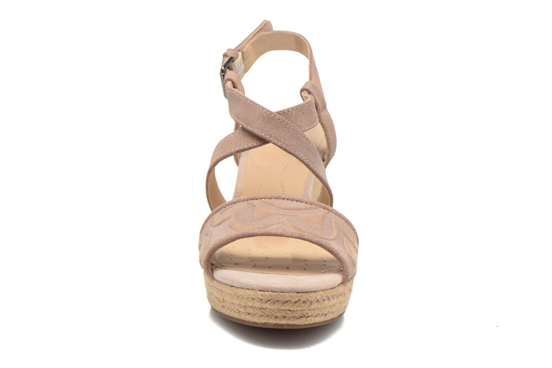 Sandales et nu-pieds Geox D SOLEIL A D52N7A Marron vue portées chaussures