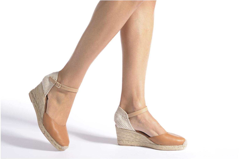 Sandales et nu-pieds Maypol Lola Marron vue bas / vue portée sac