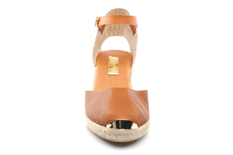 Sandales et nu-pieds Maypol Luz Marron vue portées chaussures