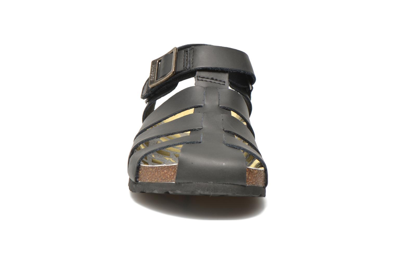Sandales et nu-pieds Kickers MAGIFLO Noir vue portées chaussures