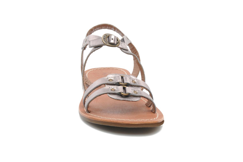 Sandalen Kickers DIXNEUF silber schuhe getragen