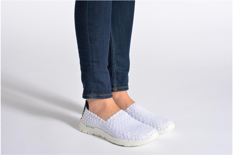 Sneaker Mustang shoes Jalur weiß ansicht von unten / tasche getragen