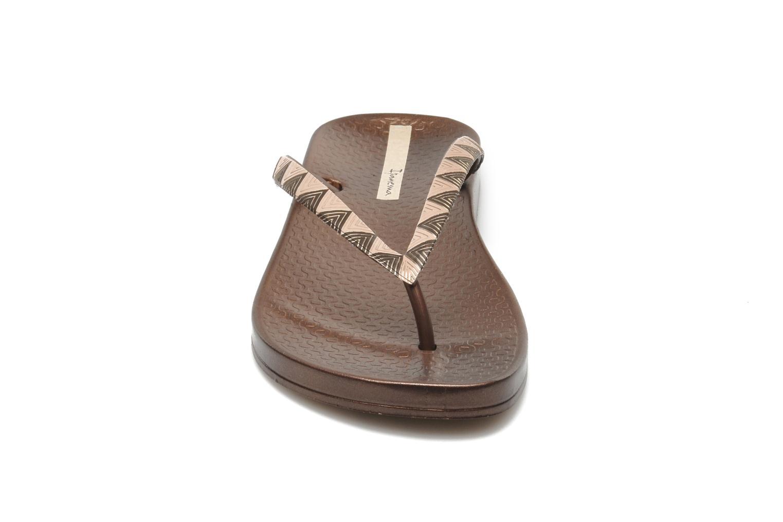 Tongs Ipanema Metalic III Or et bronze vue portées chaussures