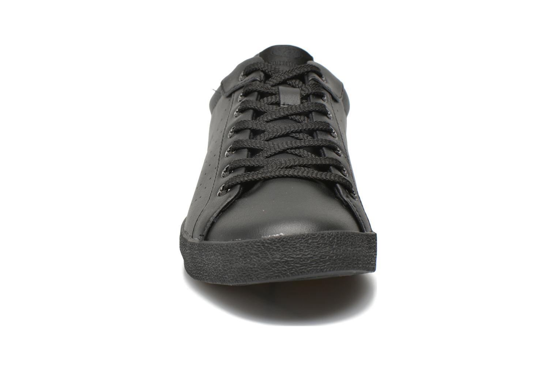 Baskets Hummel Deuce Court Tonal Noir vue portées chaussures