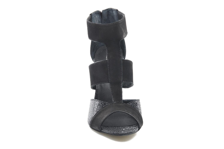 Sandales et nu-pieds Aldo Legeiwen Noir vue portées chaussures