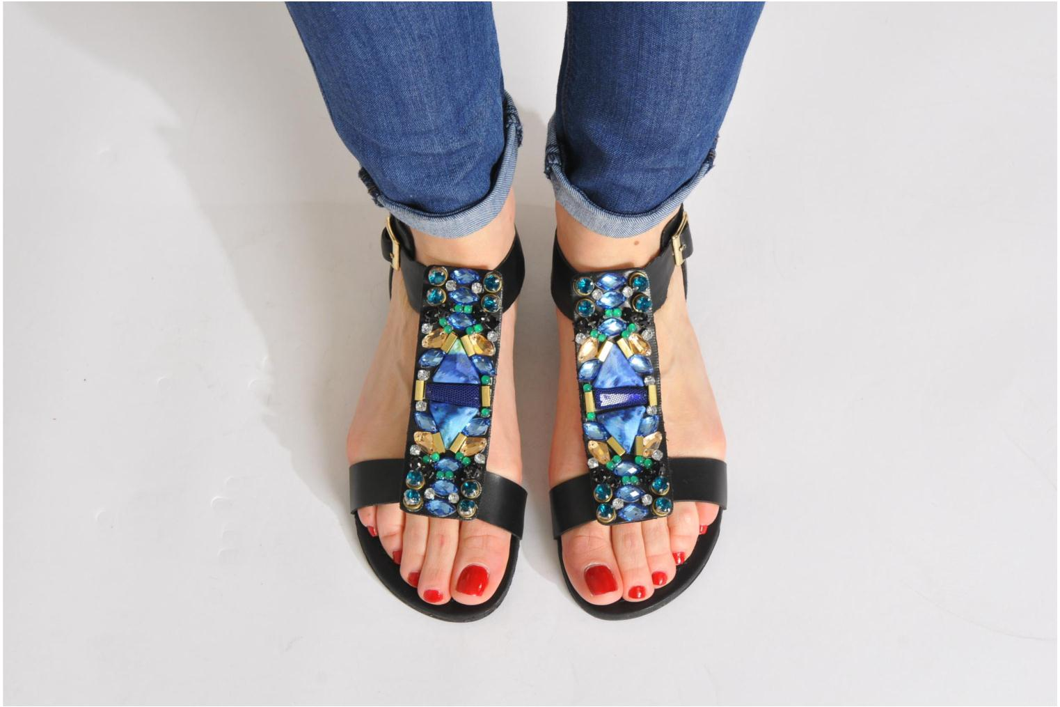 Sandals Steve Madden WIKTOR Black view from underneath / model view