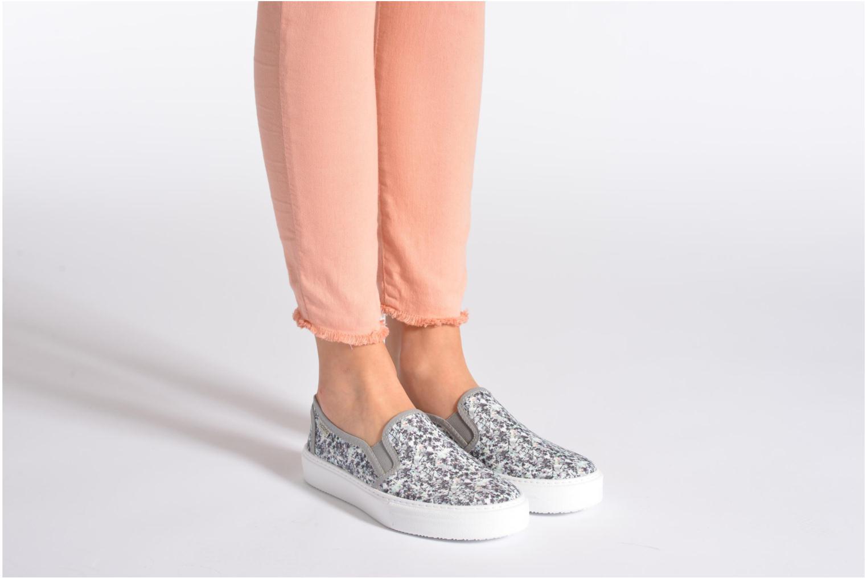 Sneaker Victoria Slip-on Flores mehrfarbig ansicht von unten / tasche getragen