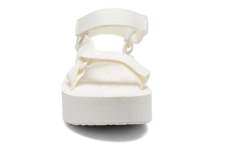 Sandalen Teva Flatform Universal weiß schuhe getragen