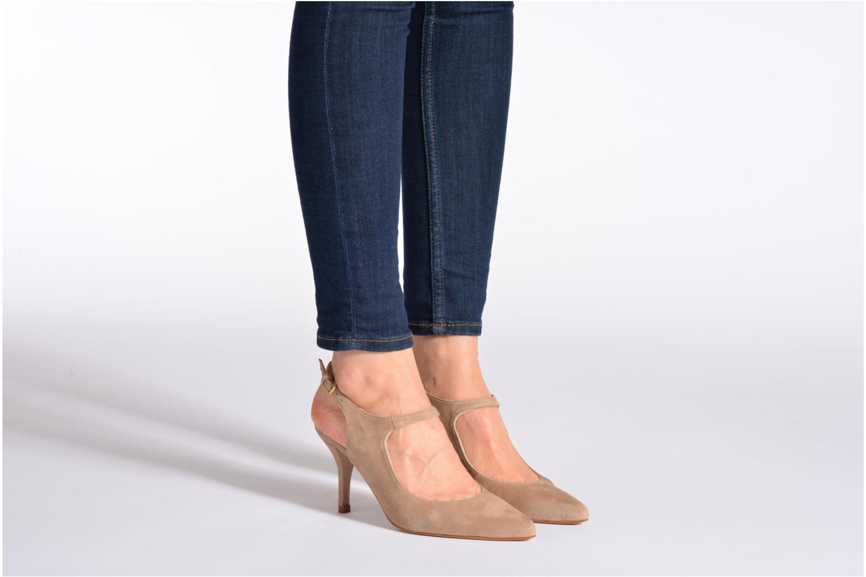High heels Georgia Rose Amalsa Beige view from underneath / model view