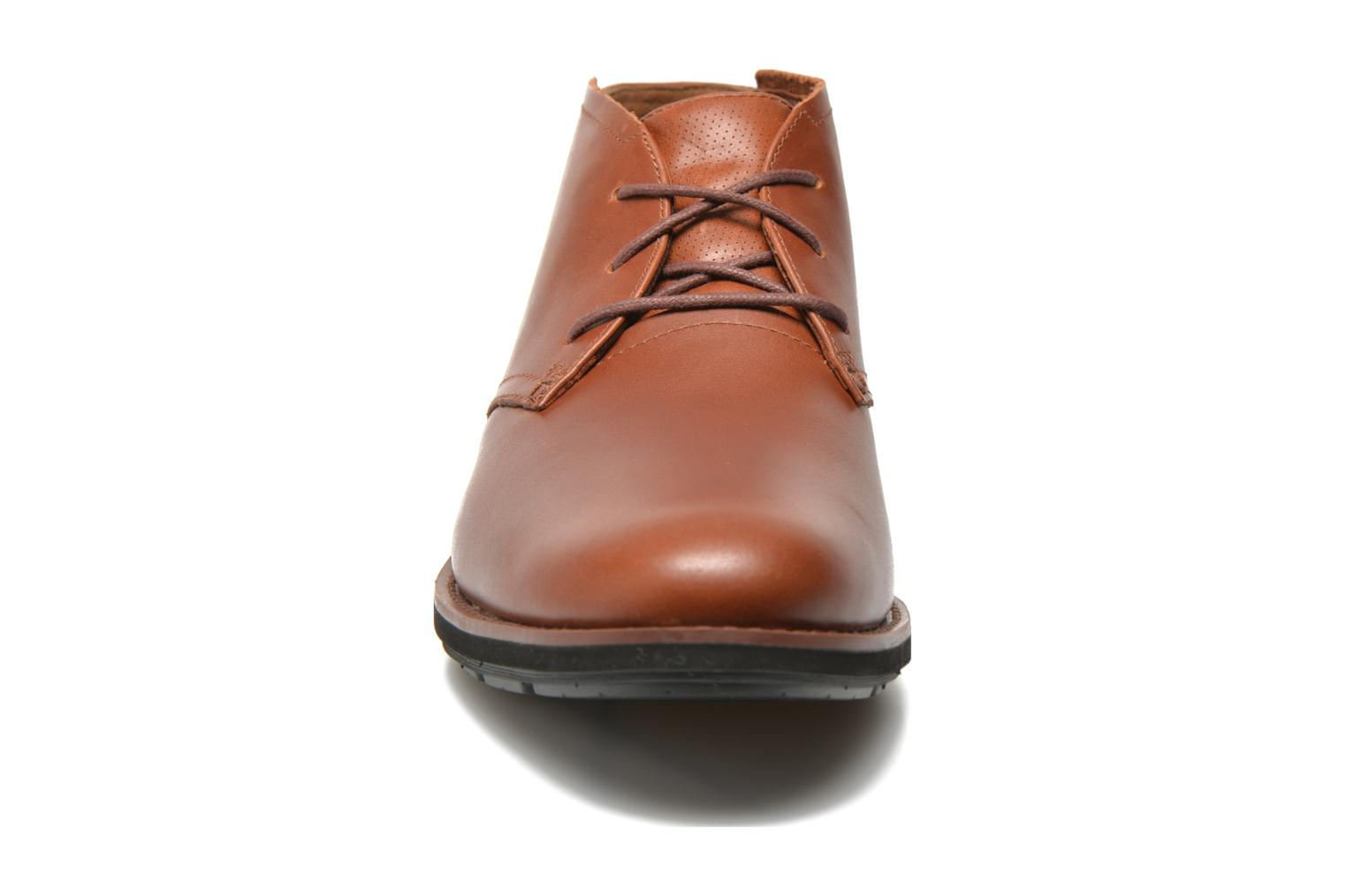 Chaussures à lacets Timberland Earthkeepers Kempton Chukka Marron vue portées chaussures