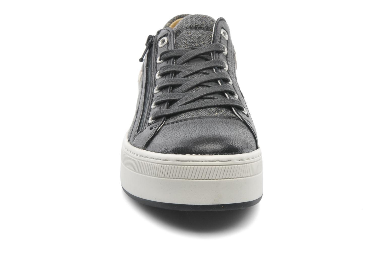 Sneaker Pataugas Pix schwarz schuhe getragen
