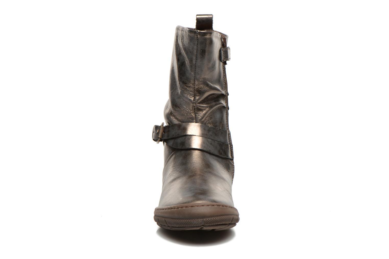 Bottes Stones and Bones DANAE Argent vue portées chaussures