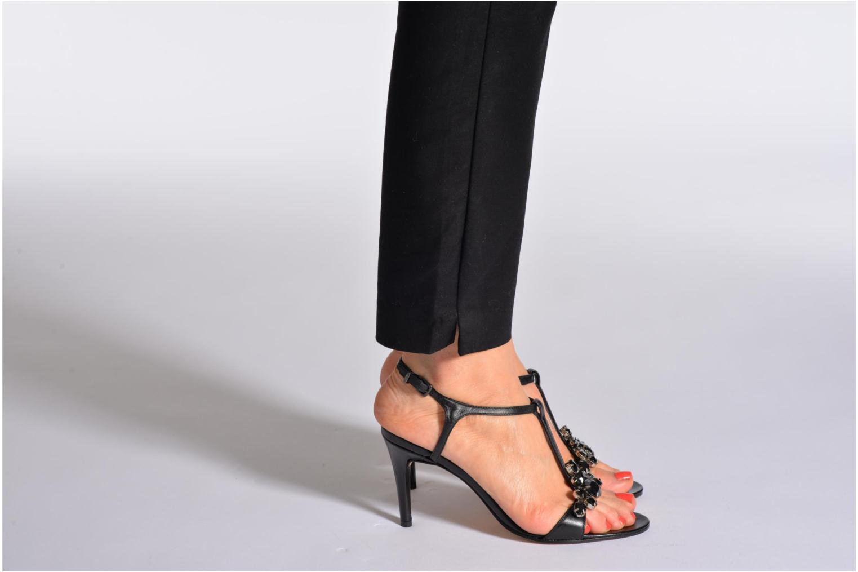 Sandalen Elizabeth Stuart Bull schwarz ansicht von unten / tasche getragen