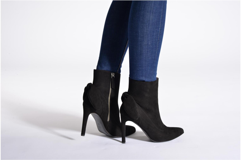 Bottines et boots Carven Elegant Noir vue bas / vue portée sac