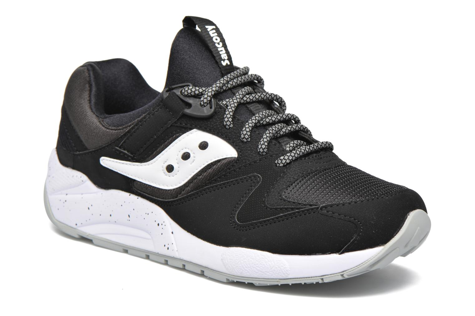 Grid 9000 Black/white
