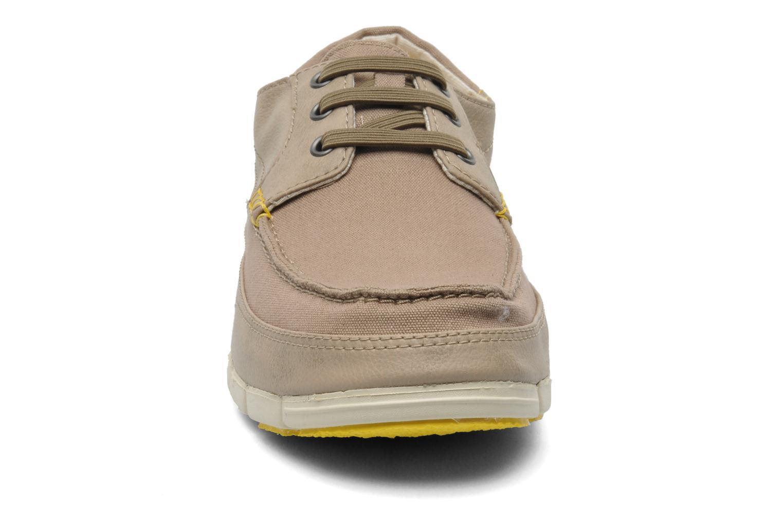 Schnürschuhe Crocs Stretch Sole Lace-Up M grau schuhe getragen