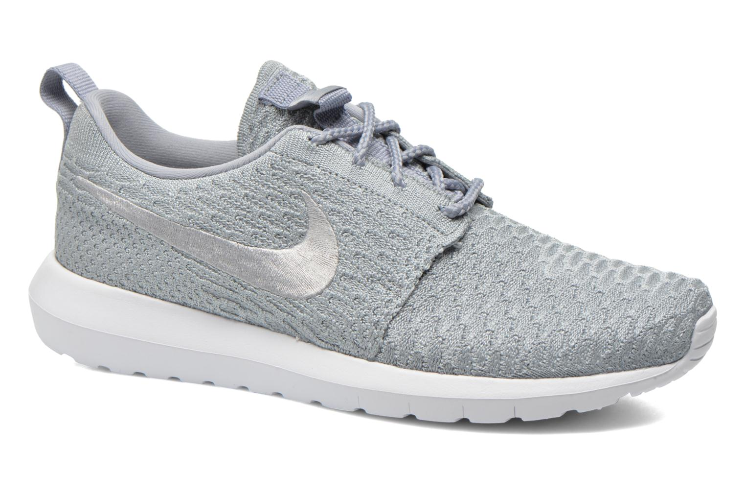 Baskets Nike Nike Roshe Nm Flyknit Gris vue détail/paire