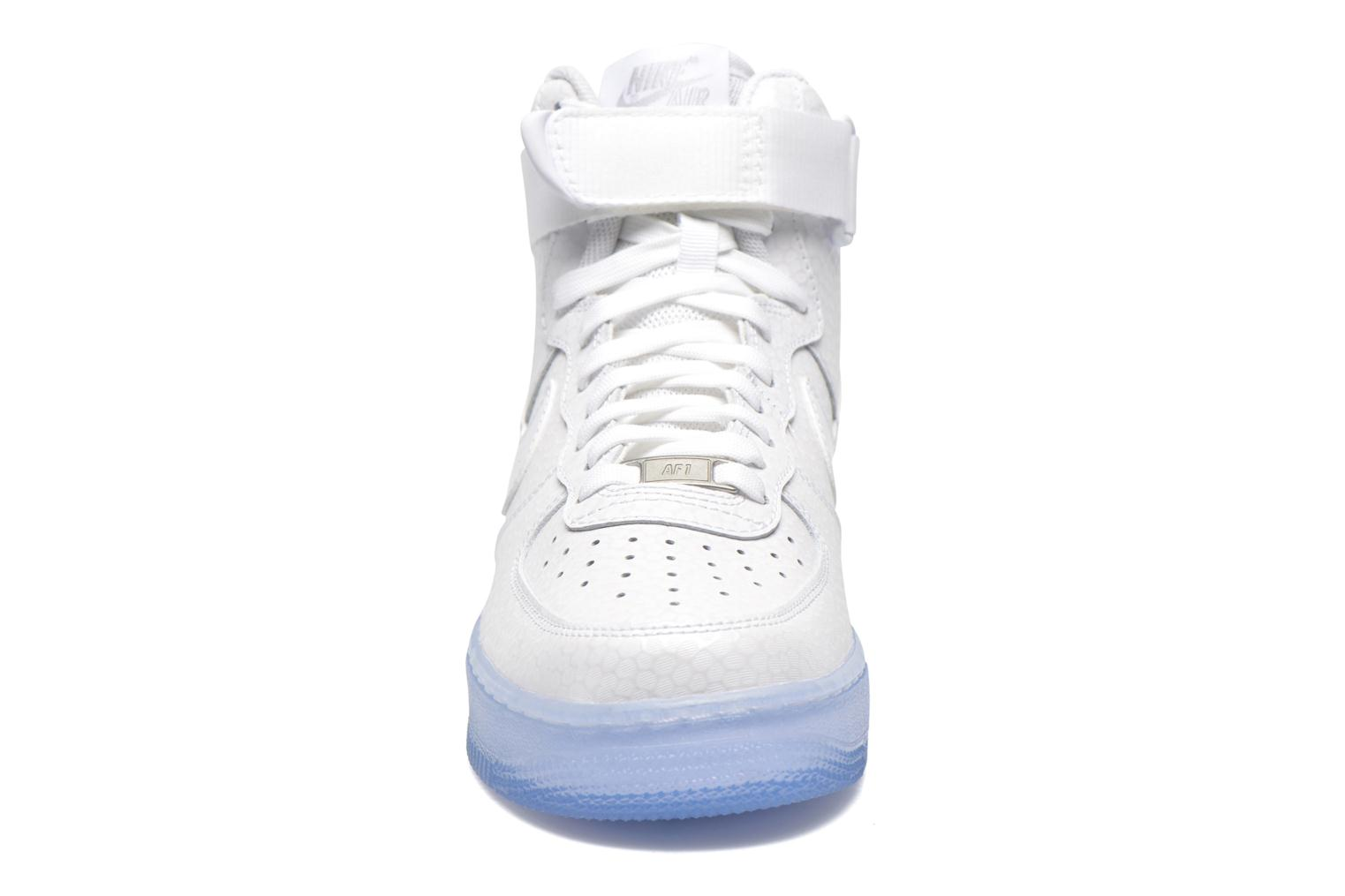 Trainers Nike Wmns Air Force 1 Hi Prm White model view