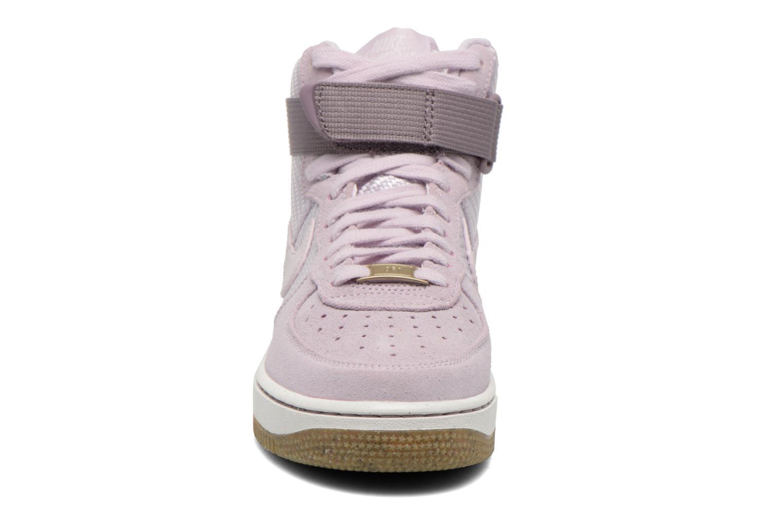 Deportivas Nike Wmns Air Force 1 Hi Prm Violeta      vista del modelo