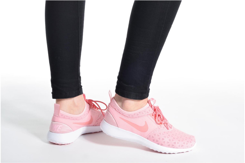 Sneaker Nike Wmns Nike Juvenate blau ansicht von unten / tasche getragen