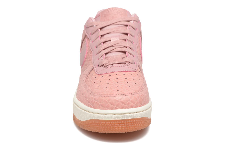 Baskets Nike Wms Air Force 1 '07 Prm Rose vue portées chaussures