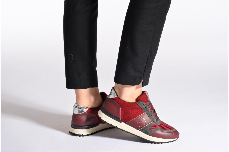 Sneaker No Name Cosmo Jogger schwarz ansicht von unten / tasche getragen