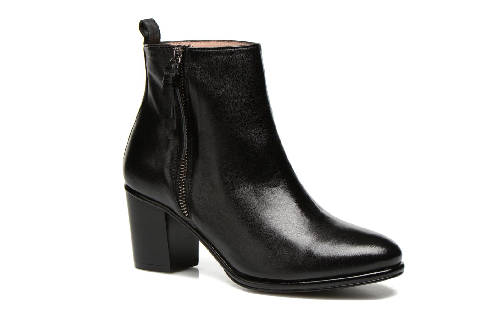 Ankle boots Opening Ceremony Shirley Bootie Black detailed view/ Pair view