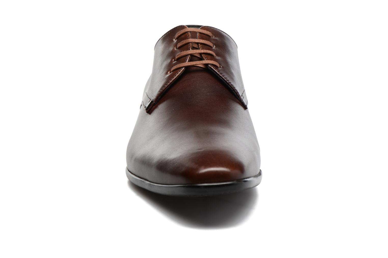 Snörade skor Kenzo Westy Brun bild av skorna på