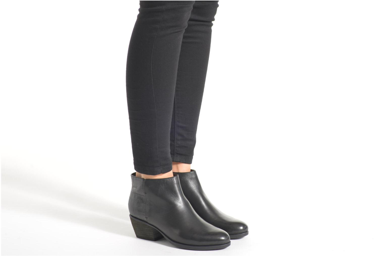 Bottines et boots Clarks Gelata Italia Noir vue bas / vue portée sac