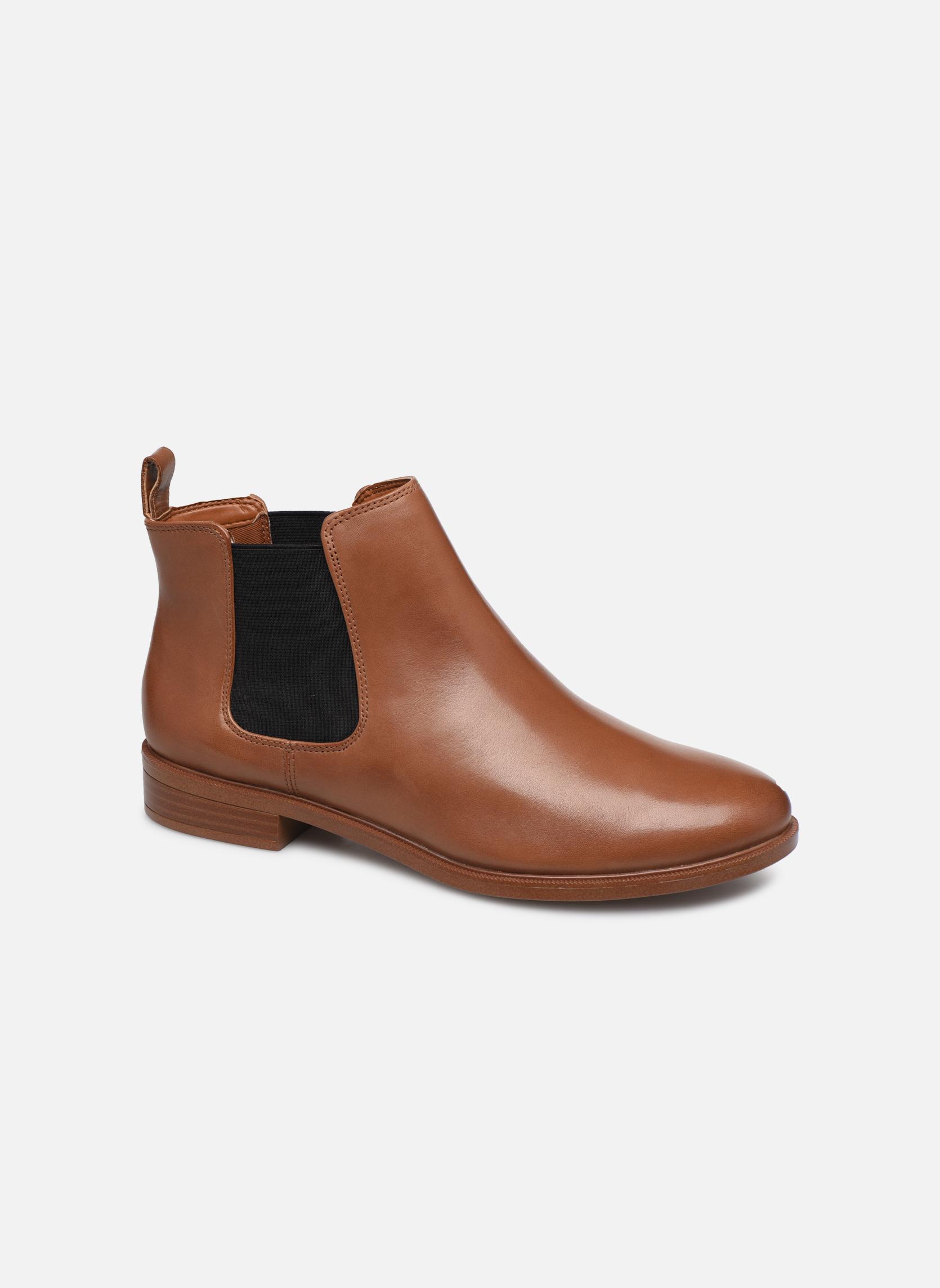 Boots Dam Taylor Shine