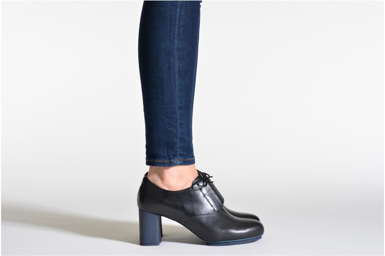 Chaussures à lacets Camper Myriam 22096 Noir vue bas / vue portée sac