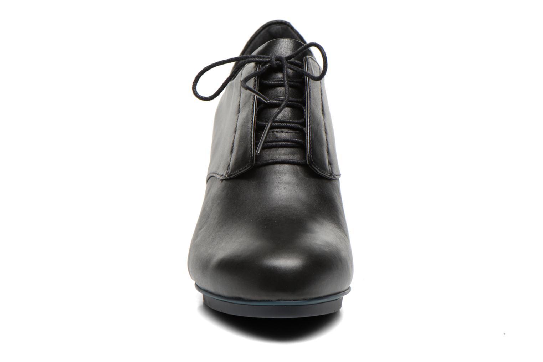 Chaussures à lacets Camper Myriam 22096 Noir vue portées chaussures