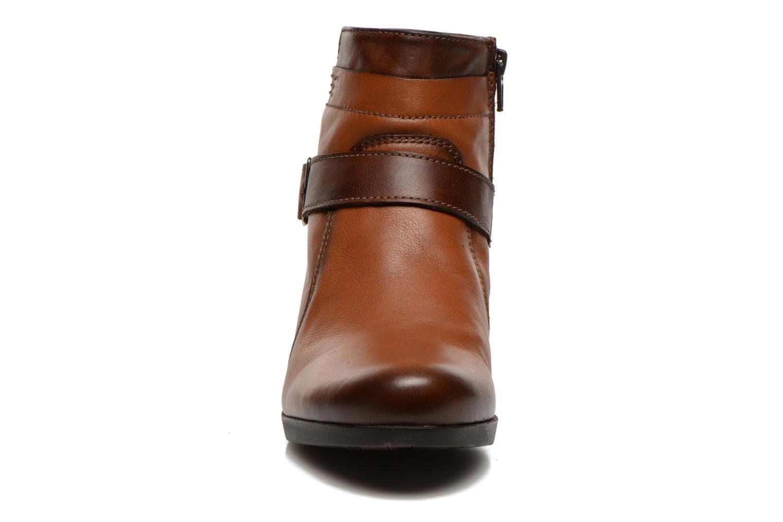Boots en enkellaarsjes Fluchos Tanya 9132 Bruin model
