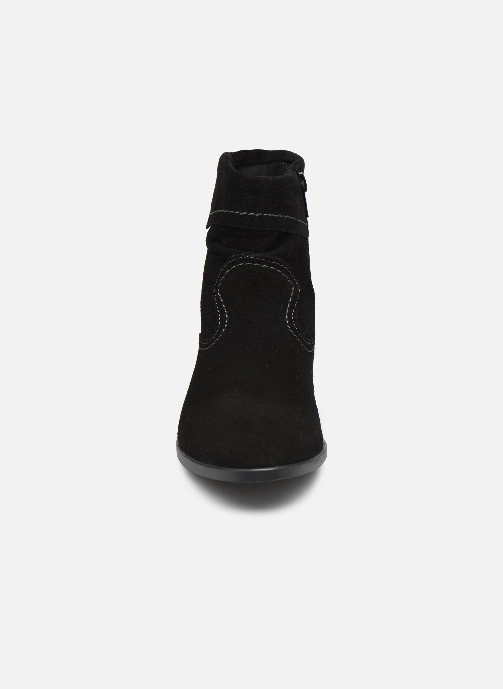 Stivaletti e tronchetti Tamaris Bluiao 2 Nero modello indossato