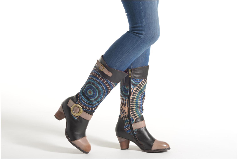 Bottines et boots Laura Vita Talle Noir vue bas / vue portée sac