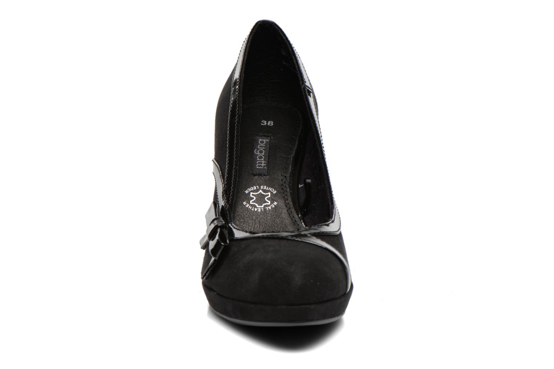 Zapatos de tacón Bugatti Haven V4965 Negro vista del modelo