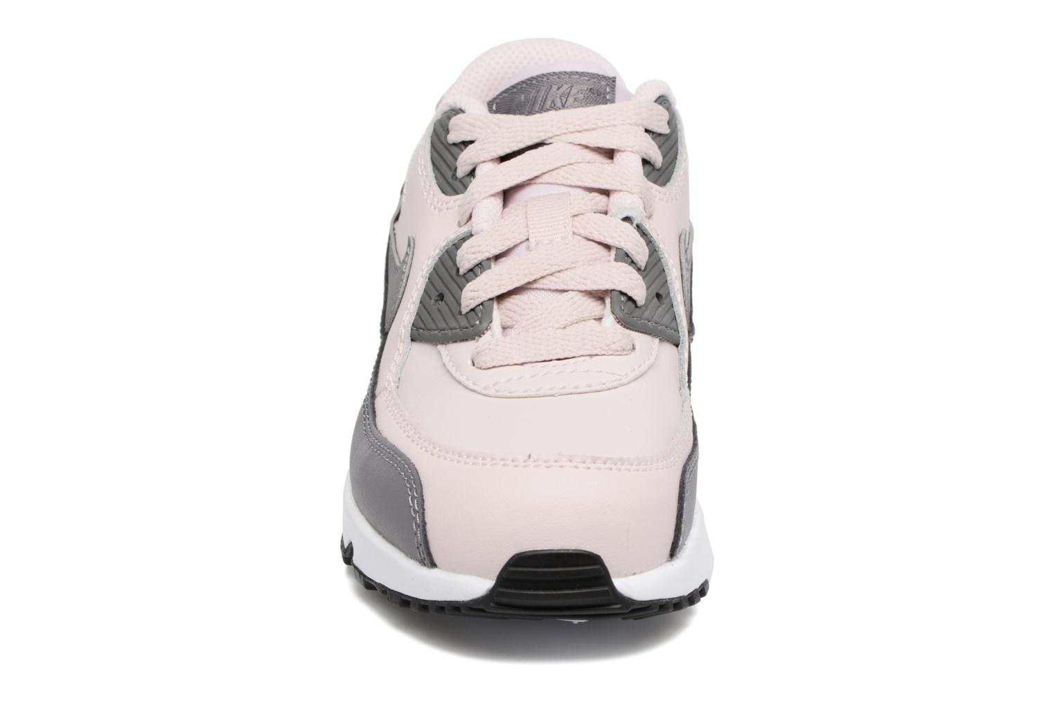 Baskets Nike Nike Air Max 90 Ltr (Ps) Rose vue portées chaussures