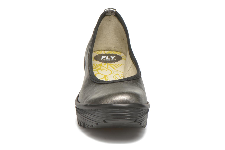 Escarpins Fly London Yalu Argent vue portées chaussures