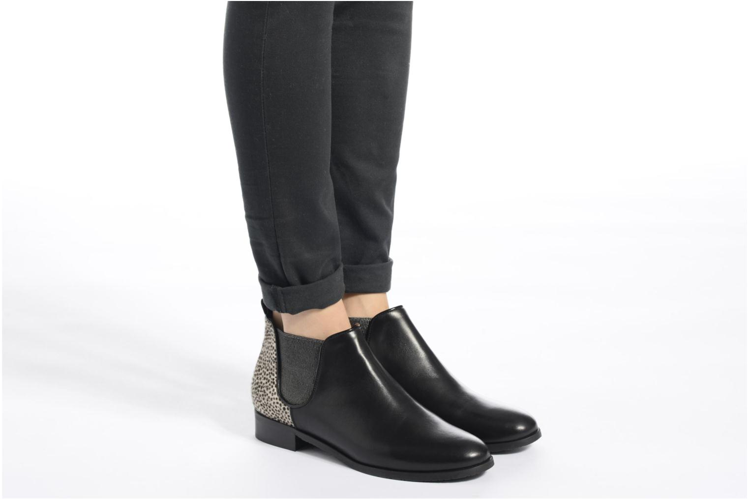 Ankle boots HE Spring Eva Black view from underneath / model view