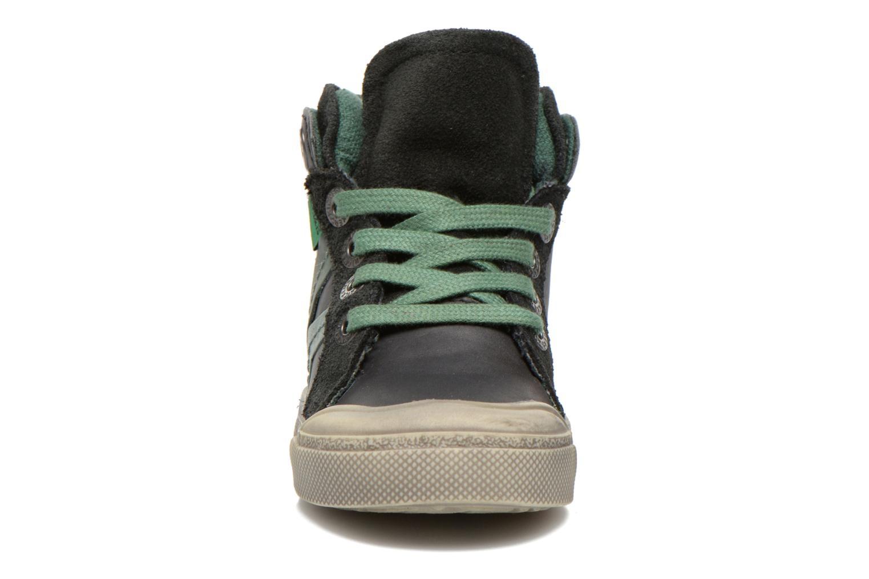 Baskets Kickers Cuzersb Vert vue portées chaussures