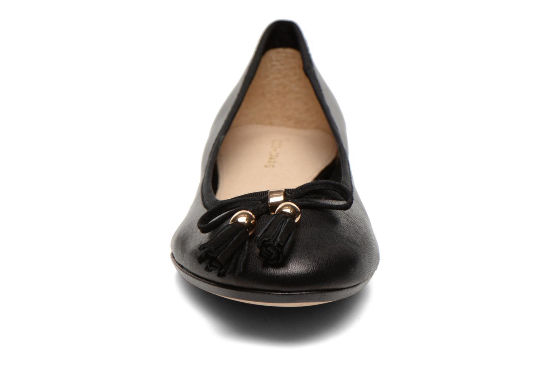 Ballerines COSMOPARIS Goumi Noir vue portées chaussures