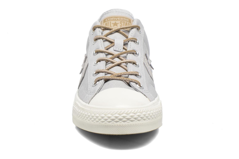 Sneaker Converse Star Player Workwear Ox M grau schuhe getragen