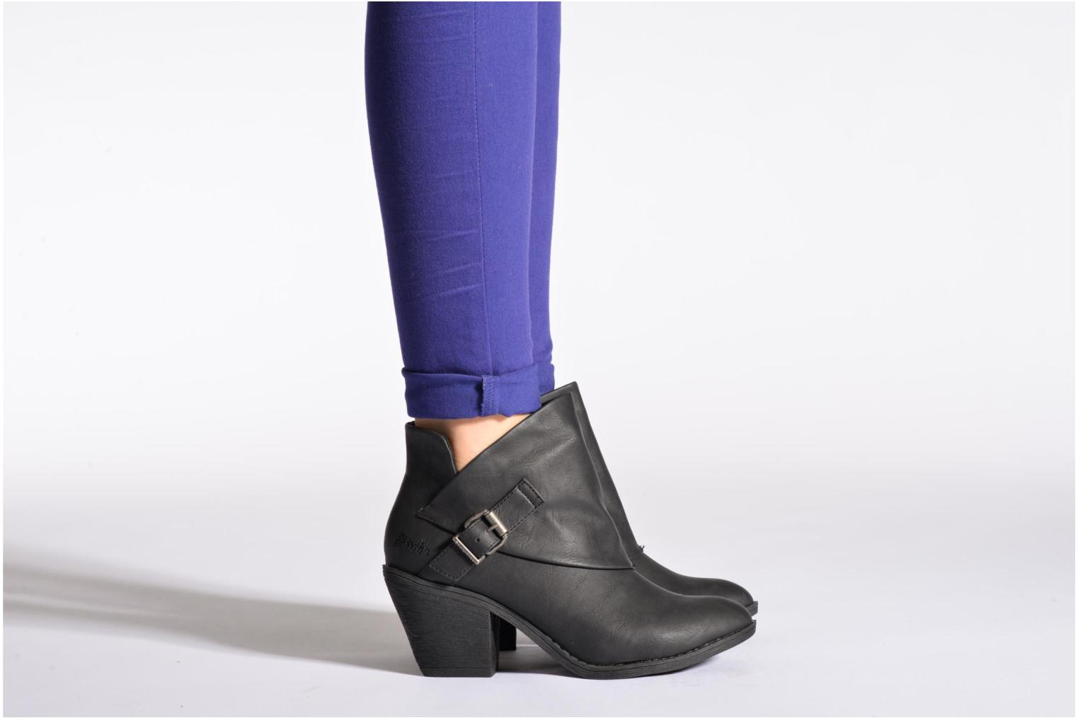 Ankle boots Blowfish Suba Black view from underneath / model view