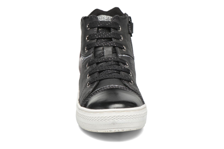 Baskets Geox J Highrock Noir vue portées chaussures