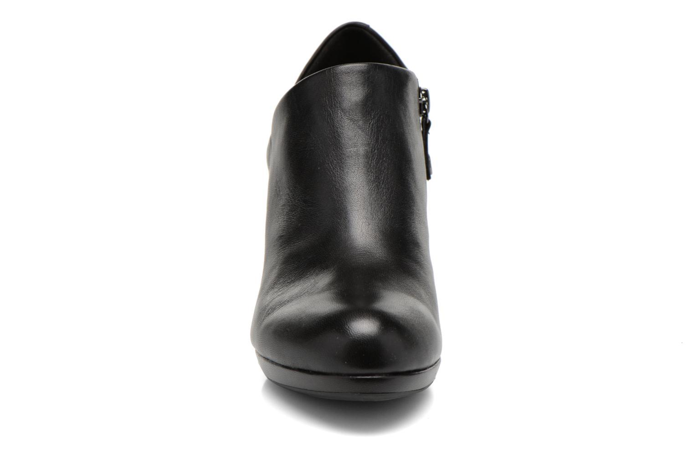 Bottines et boots Geox D LANA B D54Q6B Noir vue portées chaussures