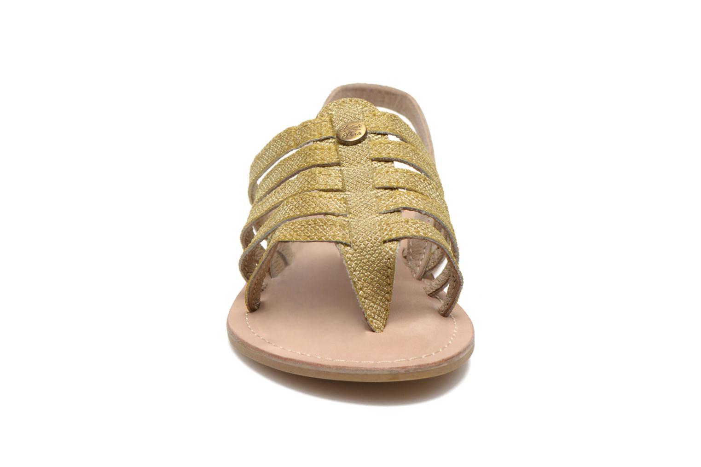 Sandali e scarpe aperte Initiale Paris Menthe K Oro e bronzo modello indossato