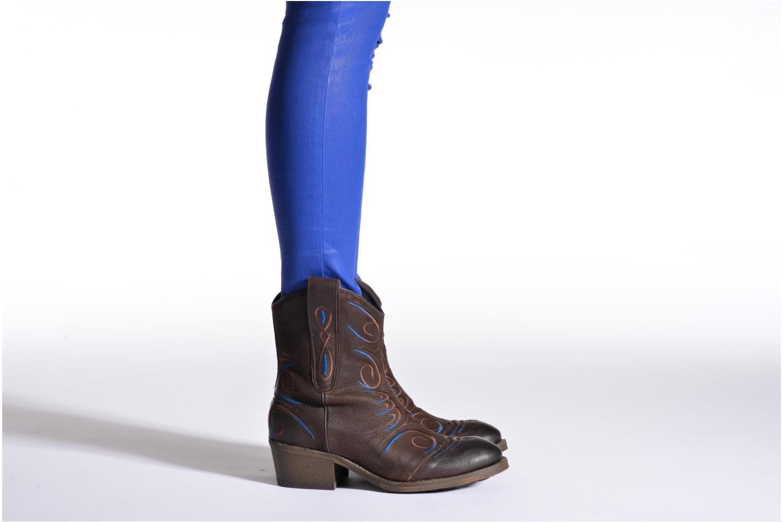 Bottines et boots Dkode Jonas Marron vue bas / vue portée sac